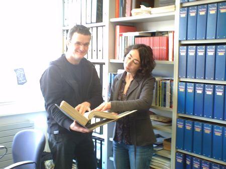 """Klaus Frick e Bettina Lang dando uma olhada no planejamento do ciclo """"Bardioc"""""""